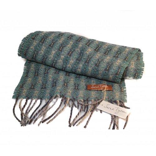Sarah Tyssen Merino Lambswool long scarf 04