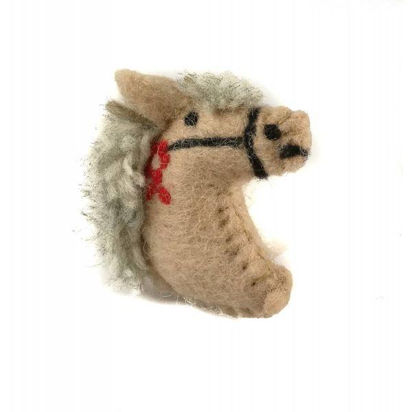 Pony beige felt brooch 023