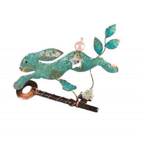 Beastie Assemblage Pequeña liebre saltando en conjunto de llaves 022