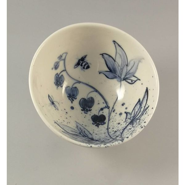 Bee and Flower Tiny porcelain  hand painted bowl 008