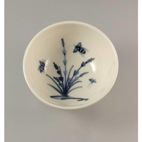 Mia Sarosi Abejas en porcelana lavanda pintadas a mano cuenco 016