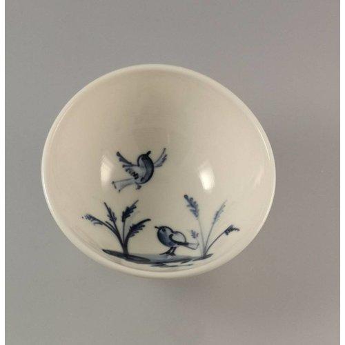 Mia Sarosi Birds in grass porcelain  hand painted bowl 014