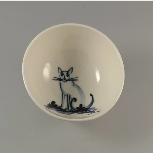 Mia Sarosi Cat sitting - Tiny porcelain  hand painted bowl 002