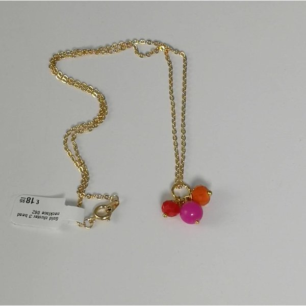 Gold cluster 3 bead necklace 062