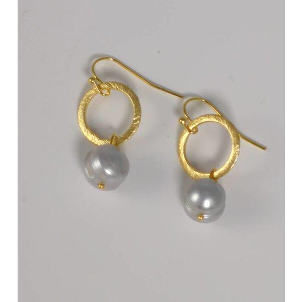 Pendiente de gota de perla oro grabado al ácido 044