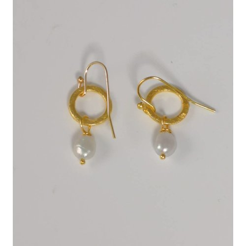 Ladies Who Lunch Gold tiny circle and white seed pearl drop earring  048