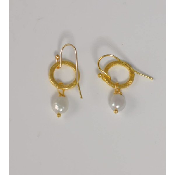 Gold tiny circle and white seed pearl drop earring  048