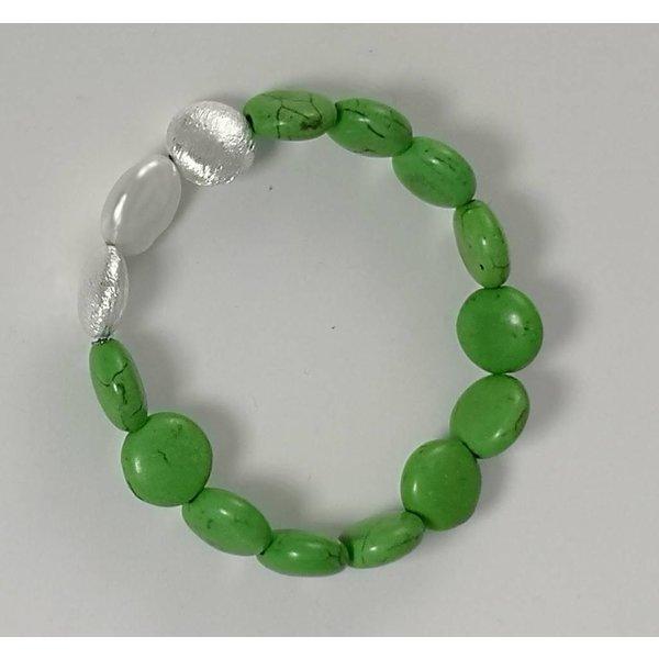 Green silver pearl stretch  bracelet 081