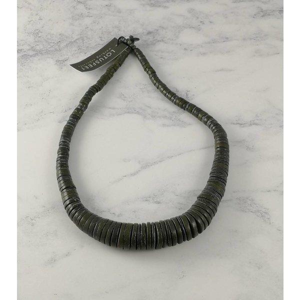 Dark Grey Graduated coco disc necklace 054
