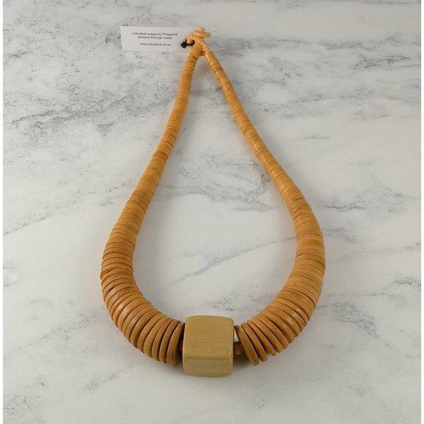 Senfkreis und quadratische Halskette aus Kokos 064