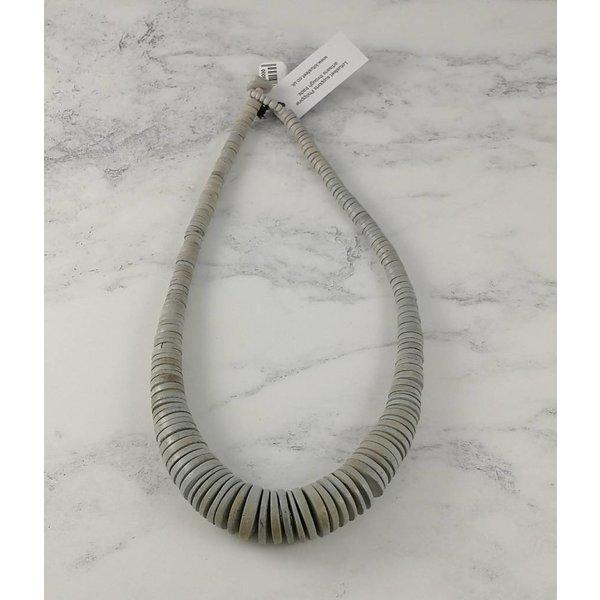 Hellgrau Graduierte Kokosscheiben-Halskette 056
