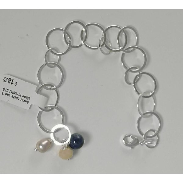 Silver circle and 3 stone bracelet  070