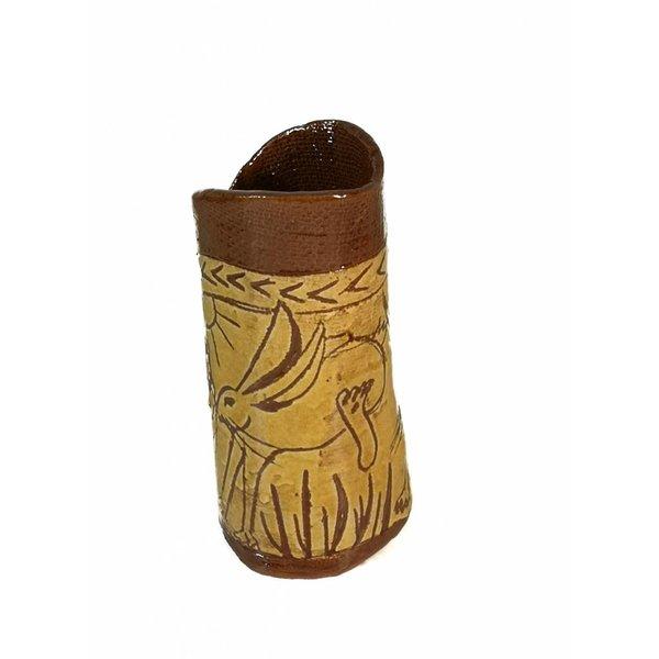 Frolicing Hares Slipware jarrón 005