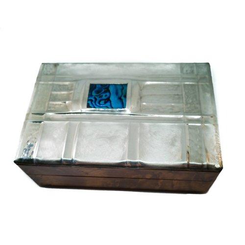 Maria Santos Pequeñas ventanas de estaño y caja de madera con bisagras