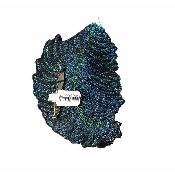 Pluma dk. broche bordado azul en caja 002