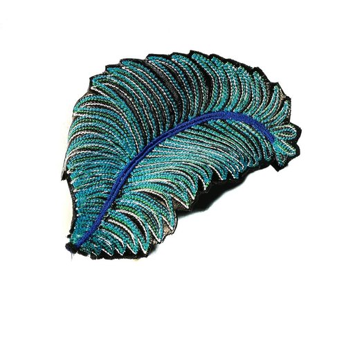 Laura Marriott Feather lt. blue embroidered brooch boxed 001
