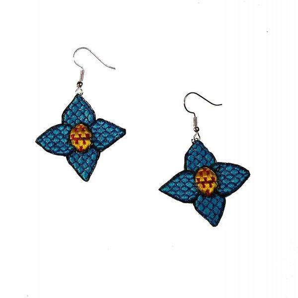 Pendientes bordados flor azul gota 029
