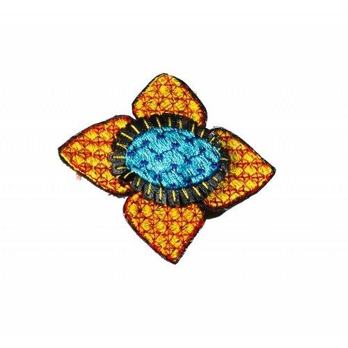 Laura Marriott Broche bordado flor de oro Ikat en caja 013