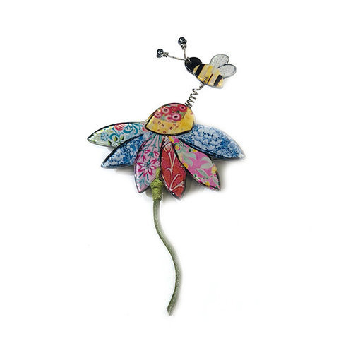 One Button Daisy und Bienenbrosche 003