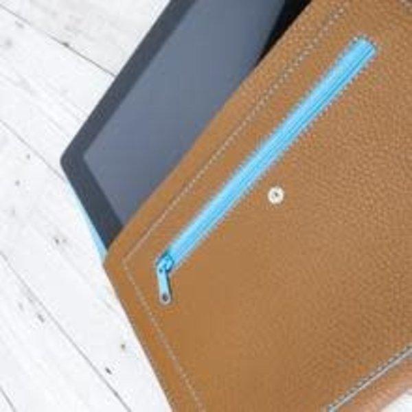 Tech vegan tan and blue pouch organiser 006