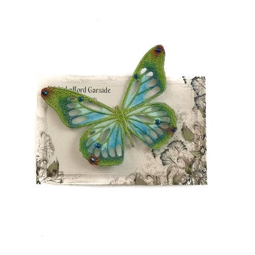Vikki Lafford Garside Schmetterling gestickte Brosche auf Karte 046