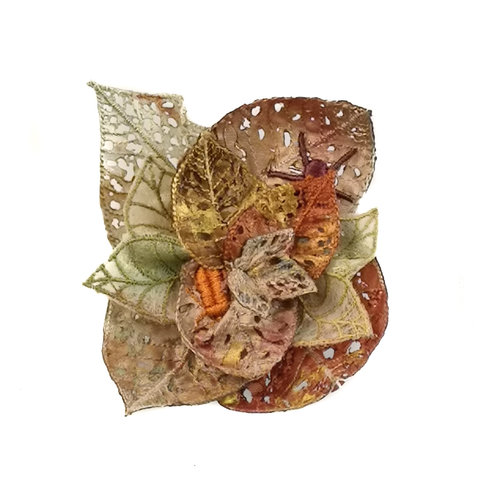Vikki Lafford Garside Creepy cralies leaf embroidered brooch boxed 053