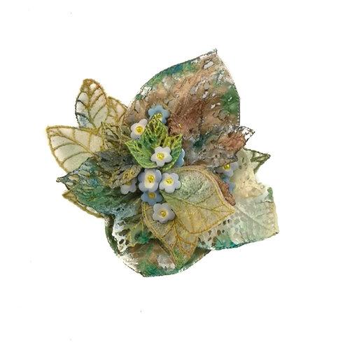 Vikki Lafford Garside Foget-me-not embroidered brooch boxed 052