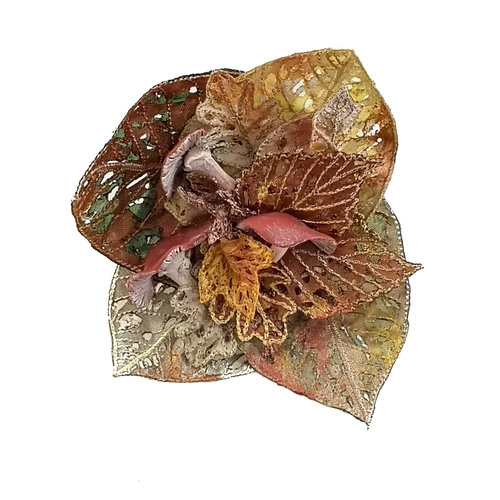 Vikki Lafford Garside Toadstool and leaf embroidered brooch boxed 050