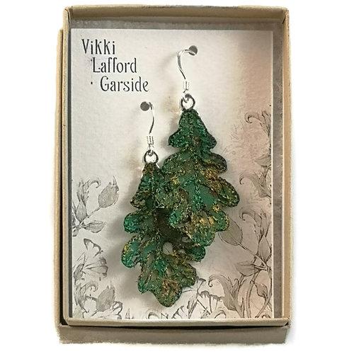Vikki Lafford Garside Pendientes bordados hoja de roble verde 063