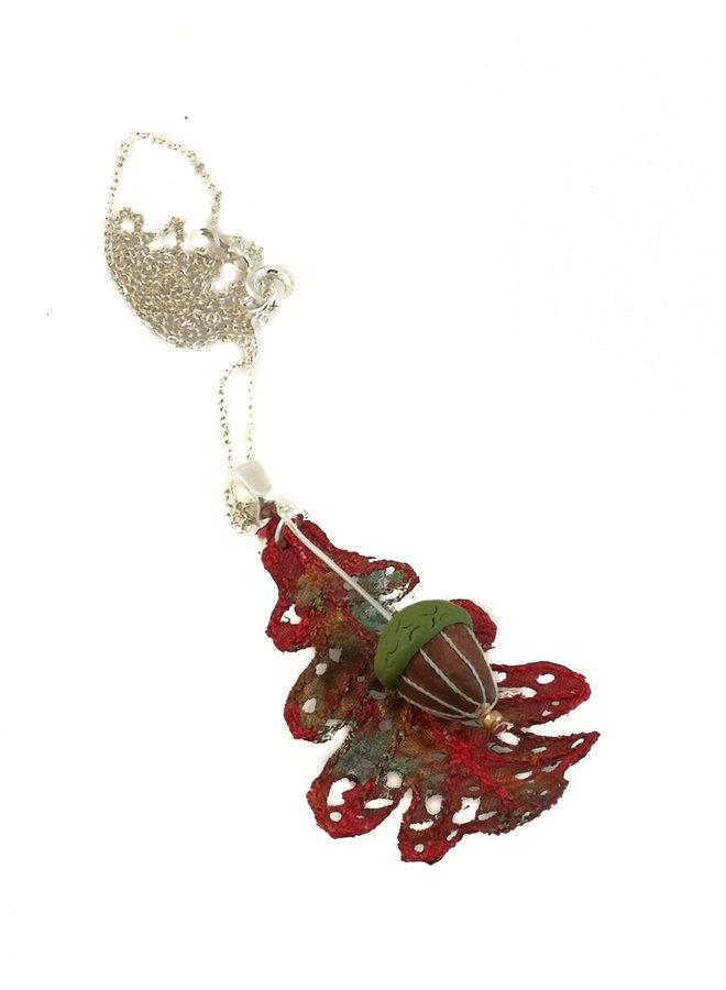 Eichenblatt und Eichelanhänger rot 061