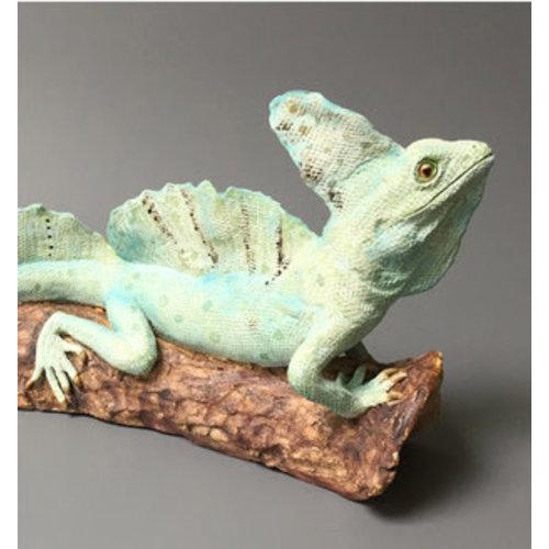 Su Hudson Albert Basilisk verde en tronco, ceramica 02