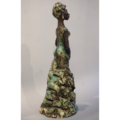 Vicky Yates African Lady stoneware 01