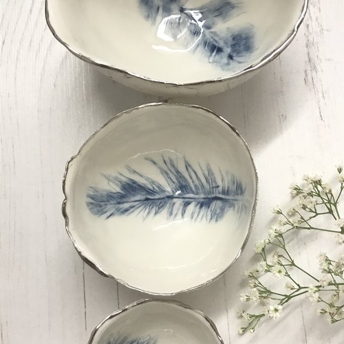 Nicola Briggs Feather Bowl Trio, porcelana y platino 02