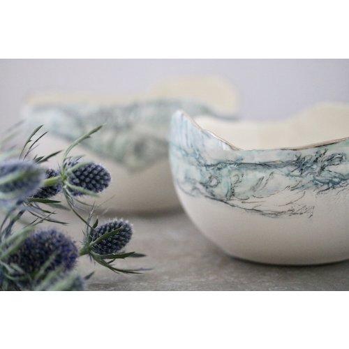 Nicola Briggs Cuenco de paisaje, porcelana y platino 03.