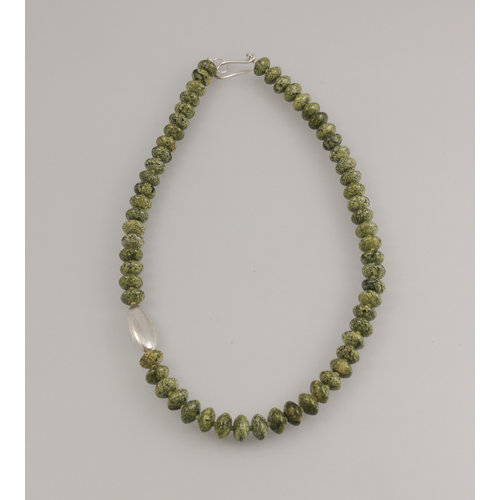 Melissa James Russian Serpentine with silver pod Necklace 77