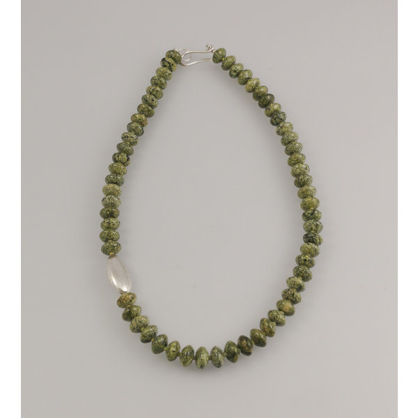 Russian Serpentine with silver pod Necklace 77