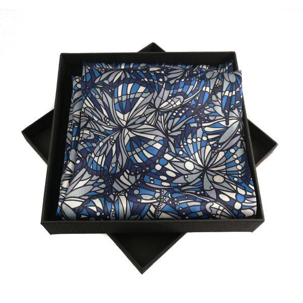 Joya azul de satén y bufanda de seda con cierre magnético en caja