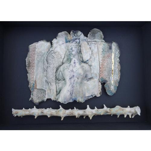 Jan Huntley Peace Sombras más allá del jardín de porcelana enmarcada 11