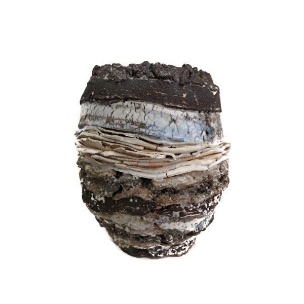 Black Rimmed Pot