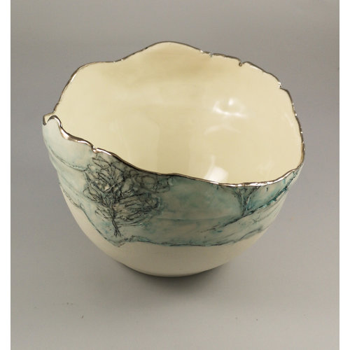 Nicola Briggs Cuenco de paisaje con árboles, porcelana y platino 04