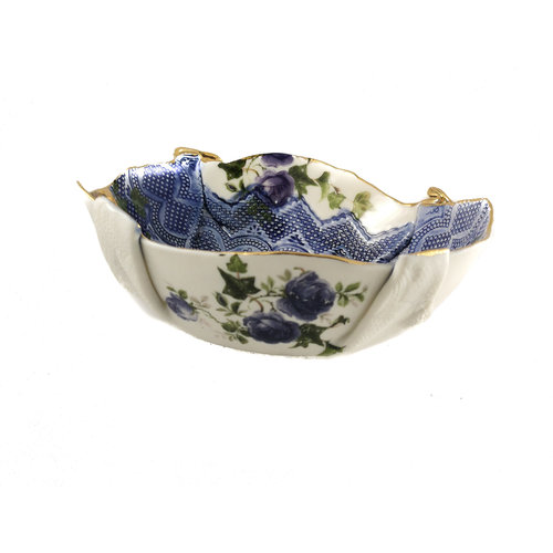 Martha's Grandad Dragonfly floral bowl with gold lustre 22