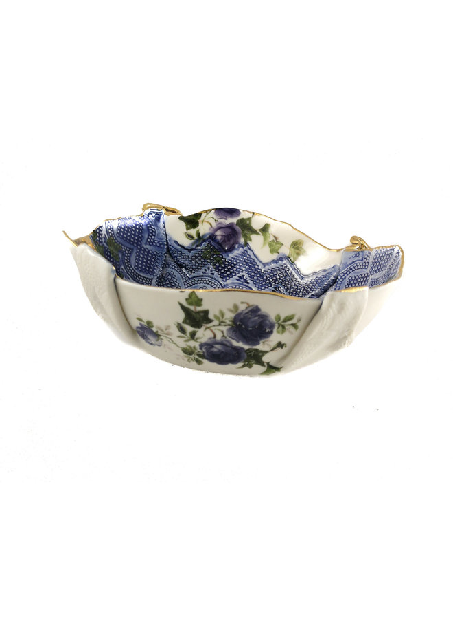 Dragonfly floral bowl with gold lustre 22
