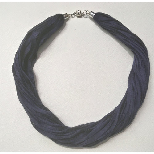 Copper Moor Designs Fabric Eucalyptus Necklace  Midnight Blue 05