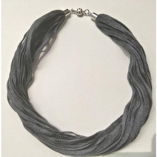 Copper Moor Designs Stoff-Eukalyptus-Halskette Eagle Grey 03
