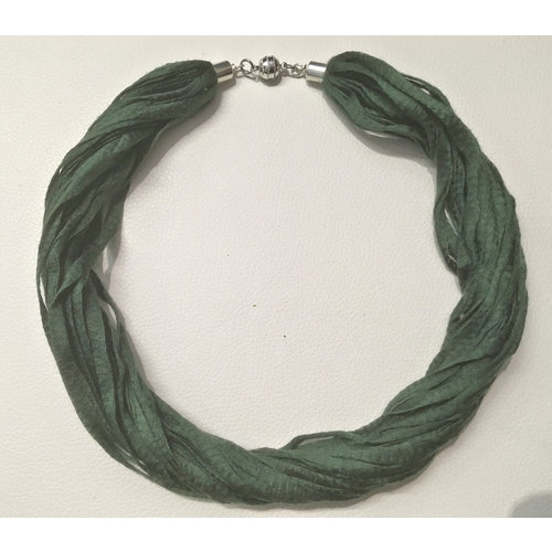 Copper Moor Designs Tela Eucalipto Collar Fern Green 06