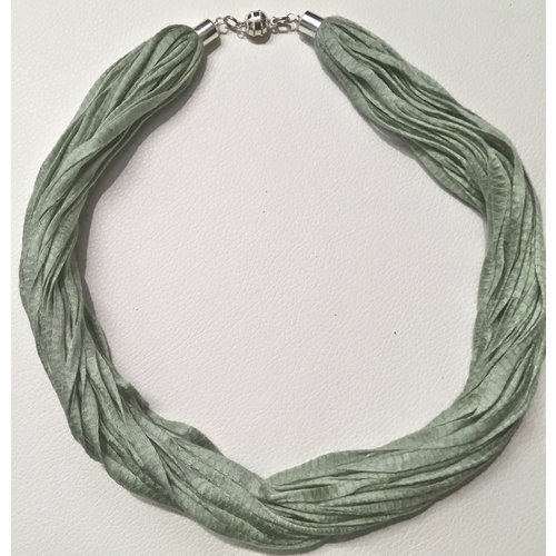Copper Moor Designs Fabric Eucalyptus Necklace Green 01