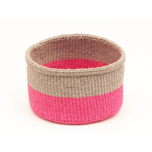 The Basket Room Maliza Biscuit y Florescente Rosa Sisal Mediano Cesto 03