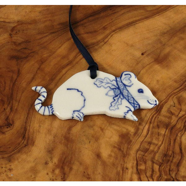 Mouse with Oak collar Ceramic Decoration 052