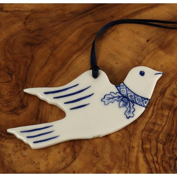 Taube fliegend mit Eichenblattdekoration 070