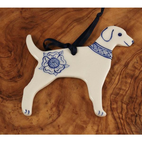 Perro perdiguero con decoración de cerámica rosa 066